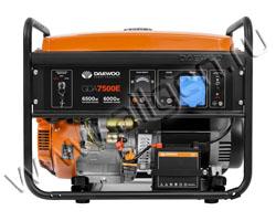Портативный генератор Daewoo GDA 7500E мощностью 6.5 кВт)